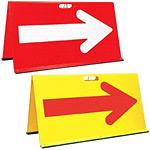 山型方向板 (矢印反射) 赤/白矢印 (42443RED)