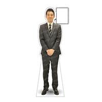 等身大パネル 男性スーツ モデル松岡修 ポーズ:正面 (62386)