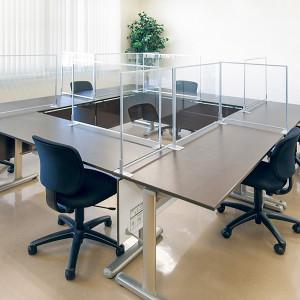 会議室のアクリルパーテーション設置事例写真