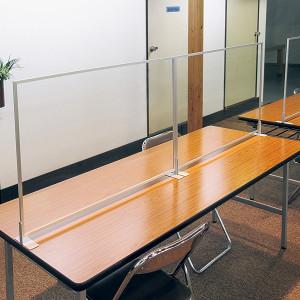 休憩室のアクリルパーテーション設置事例写真