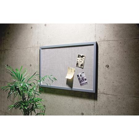 ピンボード式のオシャレなスチール製ネットボードです。