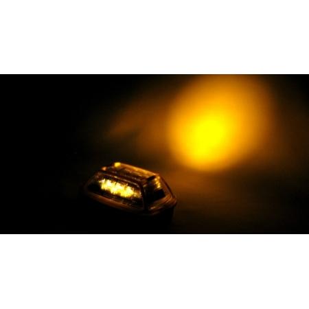 1面につき超高輝度タイプのパワーLEDを3球採用。(※写真は3面発光タイプです。)