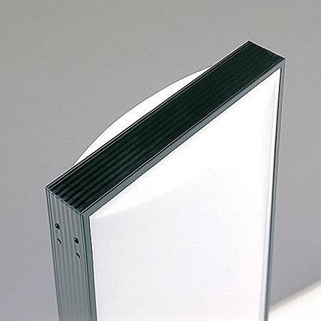 ■アクリル成形の美しいアール型の看板は上部まで光ります。