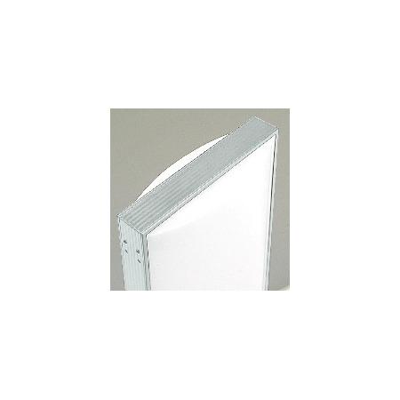 アクリル成形の美しいアール型の看板は上部まで光ります。