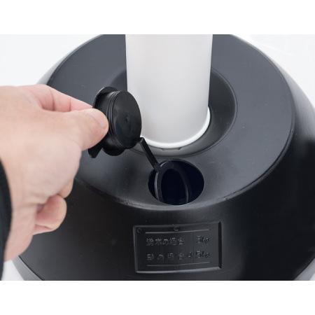 注水式。キャップにストッパーが付属し、フタの紛失を防ぎます