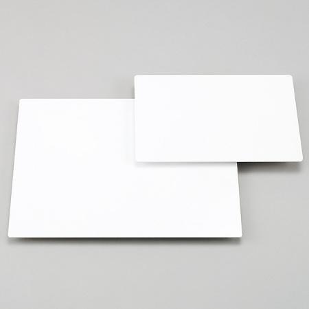 アルミ複合板の白無地の写真