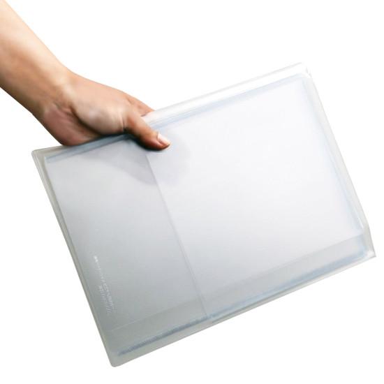 ■折りたたむとA4サイズになりとってもコンパクト!収納ケース付き