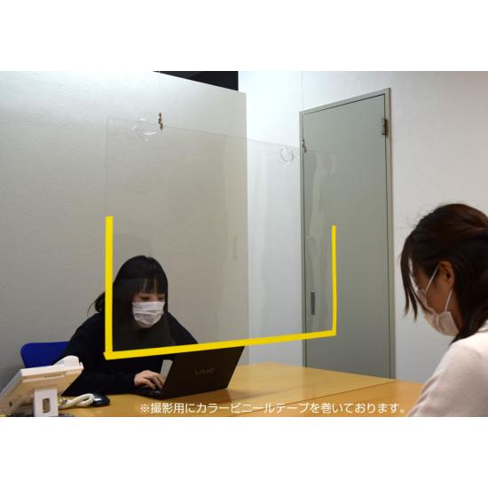 オフィスのデスク周りのパーティションガードに。※写真はA1サイズです。