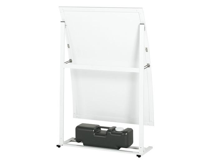 看板本体のベースには注水タンクが設置できます。