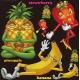 パイナップル・ストロベリー・バナナ キャラクター 看板・ボード用イラストシール (W285×H285mm)